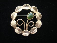 Yellow Gold plated Eternity circle brooch with Jade cabochon, vintage 1970's, USA - NO Reserve