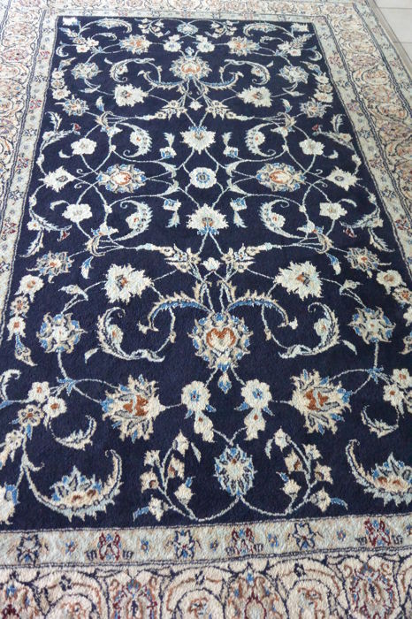 Beautiful Persian Hand Knotted Nain Rug Manufactured Using Very