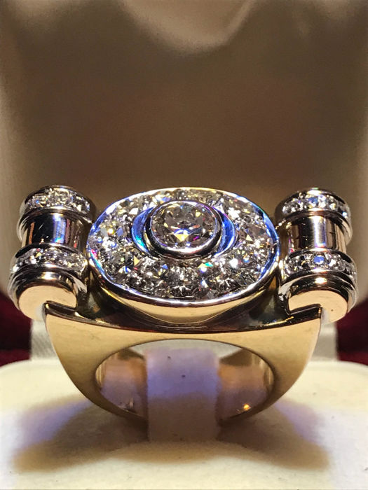 18kt gold ring with diamonds- diamonds weight ct. 3,20 - unique hand made piece