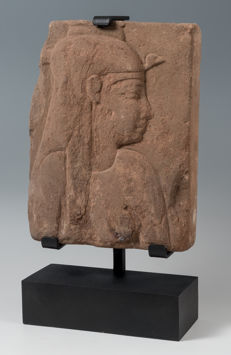 An Egyptian Sandstone Relief of the Goddess Isis -  25,50 x 19,00 cm