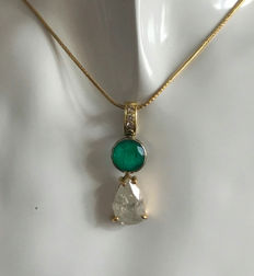 Vintage snake chain with pendant made from 585 gold, 15 kt with natural beryl approx. 3.5 ct, natural emerald approx. 2.75 ct, diamond - brilliants SI approx. 0.09 ct
