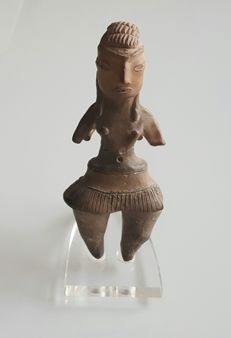 "Pre-Columbian Mexican Tlatilco pottery figure ""Pretty Lady""  - 10,4 cm"
