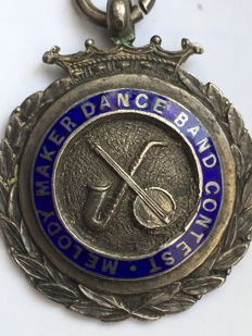 Silver medal maker dance band contest melody pendant