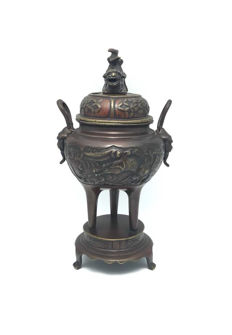 "Antique ""Dragons"" lacquer bronze censer - China - first half 20th century"