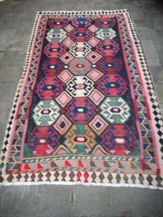 Hand-woven Persian kilim from Iran, 300 x 165, around 1950