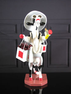 CowParade - Alphadite Goddess of Shopping - Simon Walmsley