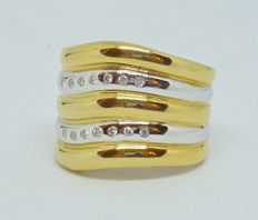 18 kt Gold  Ring with diamonds 0.11ct  size 53.5 (13.5)