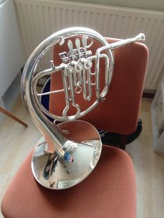 Miraphone F-horn in case