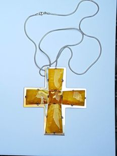 Silver design crucifix pendant with natural amber – by Mariusz Gliwinski, Poland