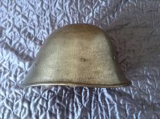 Dutch helmet M27