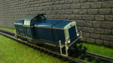 Trix N - 12578 - diesel locomotive Series BR212 of the DB