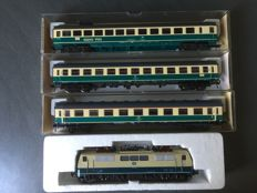 Roco/Fleischmann H0 - 4133/5191/5192/5193 - Electric locomotive Series BR 111 and 3 x IC carriages of the DB