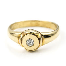 18 kt yellow gold – Cocktail ring – Brilliant cut diamonds – Cocktail ring inner diameter: 17.65 mm.