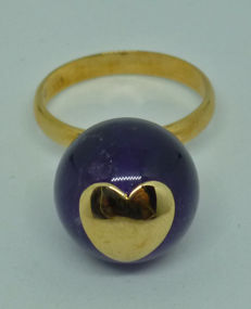 14yellow gold Ring with mauve mineral stone - size 16 ***No reserve***