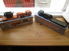Dinky Supertoys-France -  Scale 1/48 - Lot of 2 tractors and trailer Nos.898 and 890