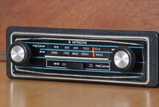 Hitachi KM-1033F classic car radio with FM from the 1970s