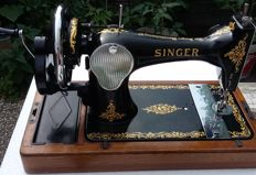 A lovely decorated Singer 128K hand sewing machine with case, 1954