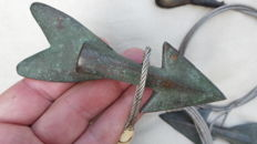 Whale hunting seal hunting, Eskimo Inuit bronze arrows with underline 19th century very rare harpoon whale hunting