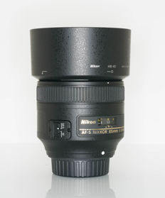 Nikon AF-S 85mm f/1.8 G Lens for Nikon Digital SLR Cameras