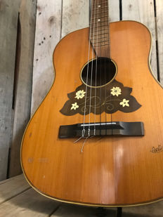 Cerline classical guitar 1940s
