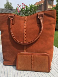 Lamböck shopper with matching wallet ***No Reserve Price***