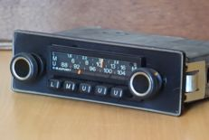 Blaupunkt Nürnberg LMU classic car radio from the 1970s