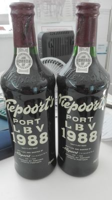1988 Late Bottled Vintage Port Niepoort - 2 bottles 0.75l