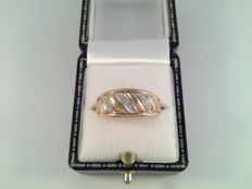 Beautiful yellow and white gold ring with diamond, ring size 18.50 / 58.
