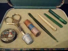 Vintage complete sewing kit - 10 pieces