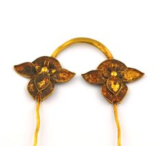 Golden flower Hairpin - China - 18th century