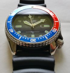 Seiko Pepsi diver's watch, vintage - men's - 1990-1999.