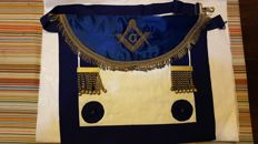 Masonic vestment with square and compass, in silk and leather with gold filigree, from the 1800s, for Grand Master