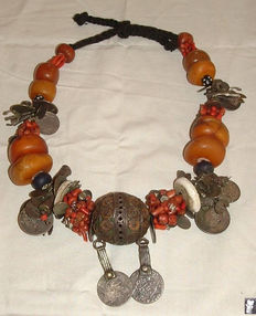 Antique Berbera necklace – Morocco