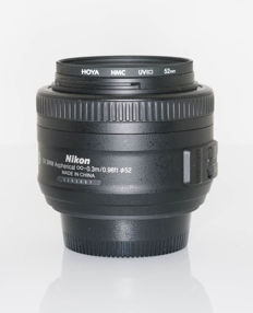 Nikon AF-S 35mm f/1.8 G DX Lens  Lens for Nikon Digital SLR Cameras