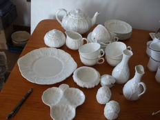 "Wedgwood ""Countryware"" - 27 piece Bone China tea set"