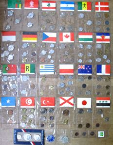 World - Collection of various coin sets 1950/1976 (27 different ones)