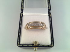 Yellow gold ring with diamond, ring size 17/54.