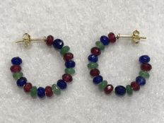 18 kt (750/1000) Yellow gold , emerald, sapphire and ruby earrings. Handmade