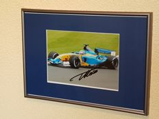 Fernando Alonso - 2 x world champion Formula 1 - original autographed framed photo + COA.
