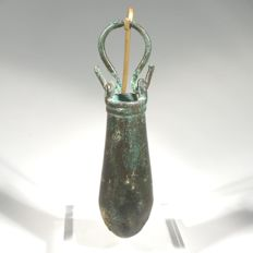 Bronze situla; small bucket. H. 9 cm