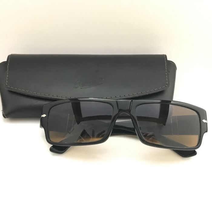 0ec4e0b8efae4b Persol - Sunglasses - Man - model 2833-s 95 3c 59 17 140 - Catawiki