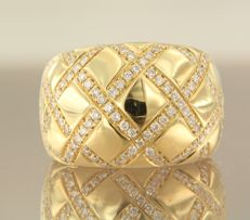 Wempe- 18k yellow gold ring set with 138 brilliant cut diamonds, approx. 1.38 ct in total, ring size 17 (53)