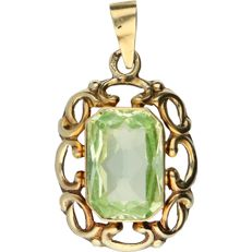 14 kt Yellow gold pendant set with a green synthetic spinel – 23 mm x 14 mm