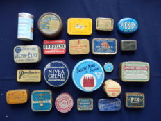 Old collection of 22 cans, mainly medicine boxes