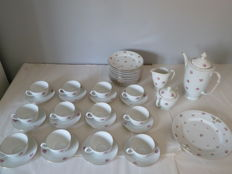 Victoria Czechoslovakia china table service in fine ceramic