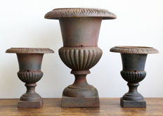3 classic French louvre vases of cast iron - 20th century