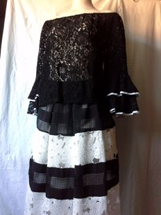 Rinascimento – lace skirt and top *no reserve price*