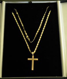 Solid Curb link necklace with Cross 750 kt yellow gold - 50 cm