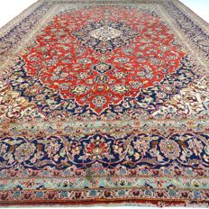 "Kashan – 370 x 249 cm – ""Oversized Persian rug – Eye-catcher – In beautiful condition""."