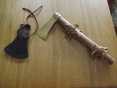American tomawak ( tomahawk ) in wood and metal with leader - USA mid XX century